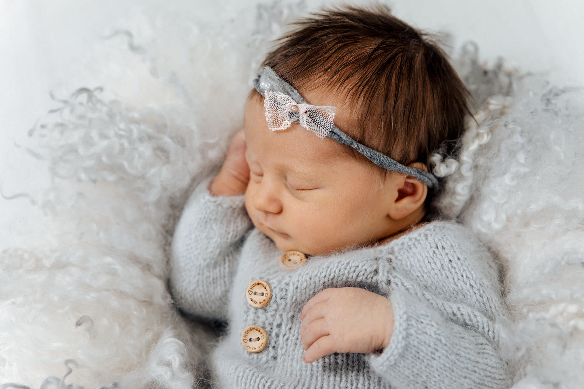 Neugeborenen Shooting - Baby bearbeitet - nach der Bildbearbeitung