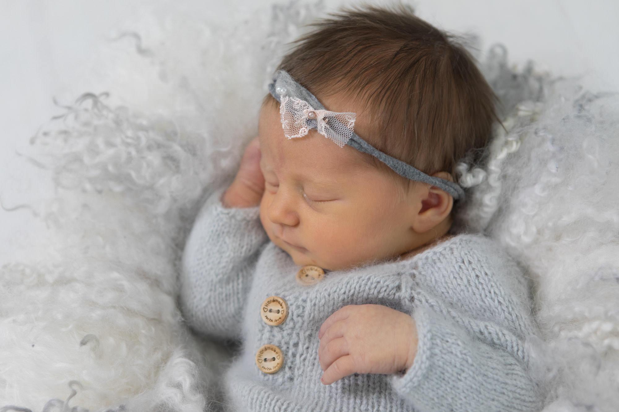 Neugeborenen Shooting - Baby unbearbeitet - vor der Bildbearbeitung