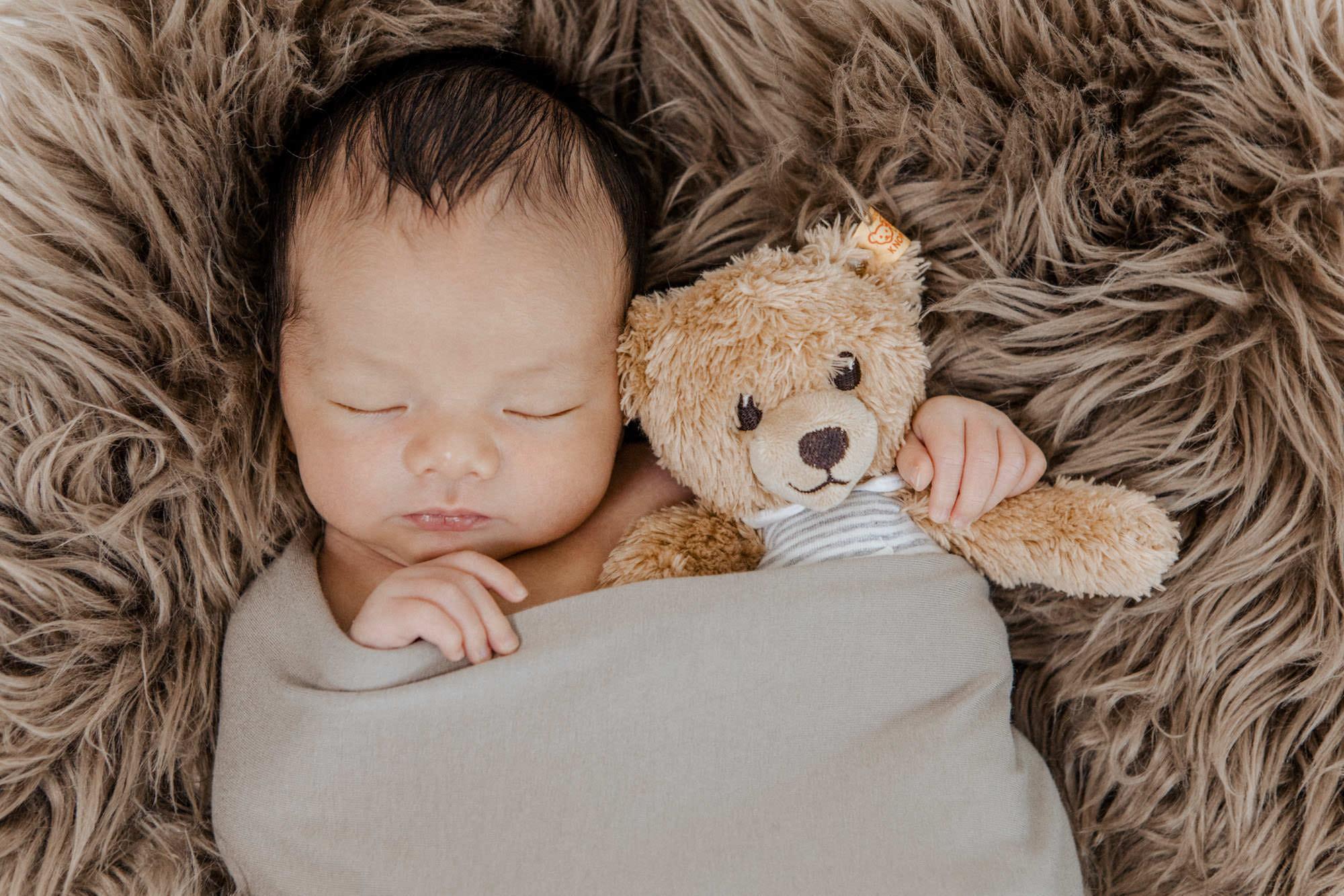 Neugeborenen Fotoshooting - Baby Felix in Heidenheim
